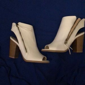 Shoes - White open toe booties